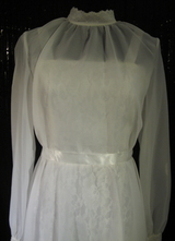 1970's White lace dress covered with chiffon/36