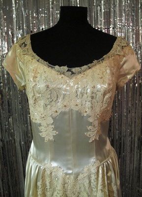 1930's Cream satin gown with huge train and lace appliqués/38