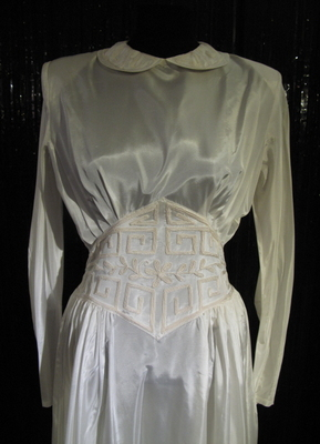 1940's Cream taffetas dress with embroidery/38