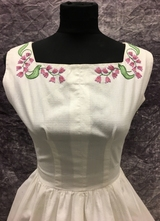 1950's White cotton dress with lavender embroidery/32