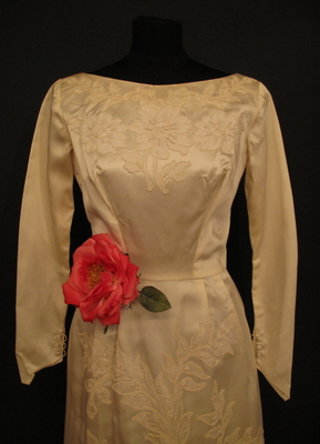 1960's Cream satin gown with lace appliqués/36