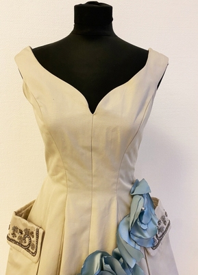 1950's Grey dress customized with blue leaves/34-36