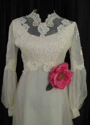 1970's Cream organza gown with lace appliques/36