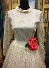 1960's White lace dress with satin collar/36