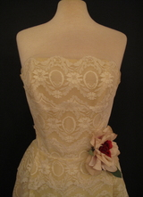 1950's Cream/yellow lace gown/32-34