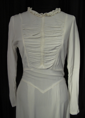 1940's White soft cotton gown with train/36
