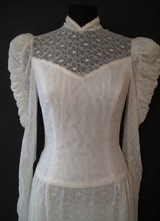 1970's White Victorian lace gown/36