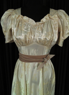 1930's Cream satin gown with puff-sleeves/36