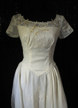 1950's Cream organza gown with lace appliqués/34-36