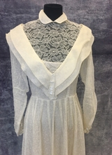 1950's Cream organza gown with lace collar/36