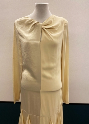1930's-style Cream ruffle gown/36