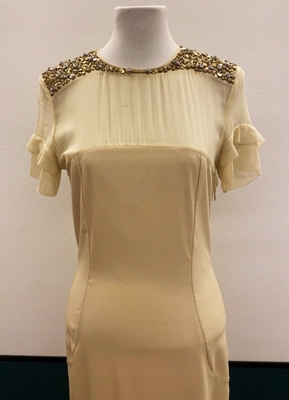 1930's-style Cream gown with beaded shoulders/36