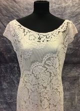 1930's-style Delicate rose lace gown/40