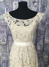 1930's-style Khaki lace gown with small floral sleeves/40