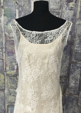 1920's-style White lace asymmetrical gown/40