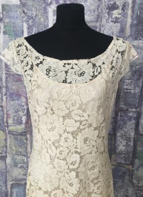 1930's-style Khaki lace gown/40