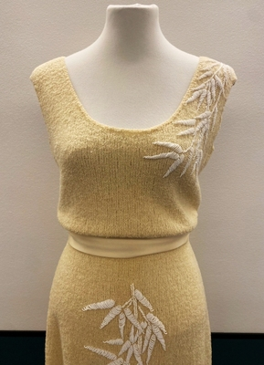 1950's Ivory knitted beaded wiggle dress/36-38
