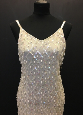 1980's Cream pearl-drop beaded gown/36