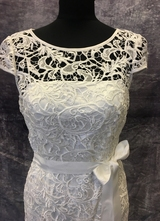 1990's White crochet lace gown/38