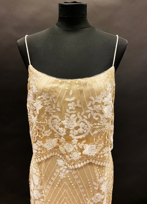 1990's Ivory lace gown/40-42