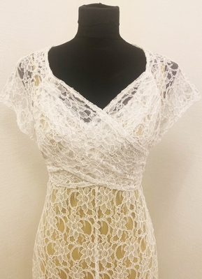 1930's-style White draped lace gown/38