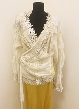 Avantgarde lace blouse with wrap-effect/38