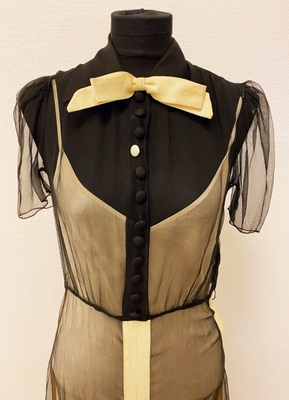 1930's Black chiffon dress/32