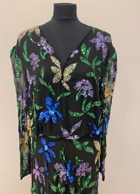 1980's Black beaded floral gown/40-42