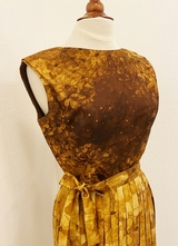 1960's Golden pleated dress/38