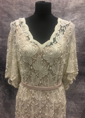 1980's White beaded pearl gown/48