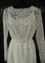 1970's-style Cream lace swing dress with long sleeves/38-40-42