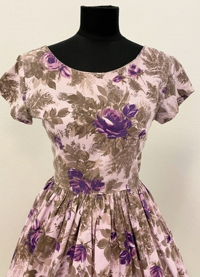 1950's Lavender floral dress/38