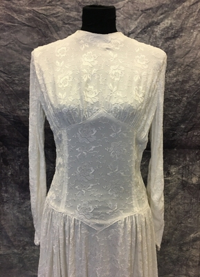 1940's White embroidered crepe gown/36-38