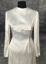 1960's White satin tulip gown with bow/34-36