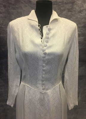 1940's White graphic brocade gown with sleeves/38