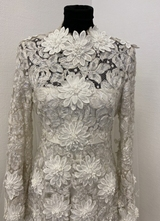 1970's White floral lace dress/36