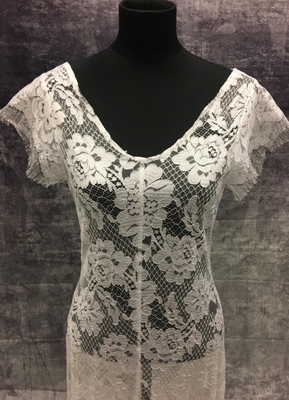 1930's-style White lace gown with eyelash sleeves/38