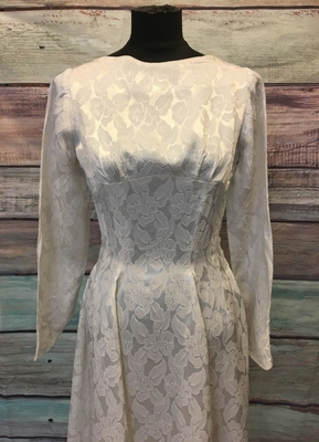 1950's White brocade gown/34-36