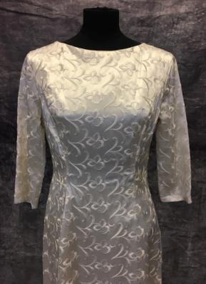 1960's Cream brocade gown/38-40