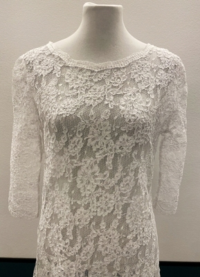 1930's-style White lace gown/38-40