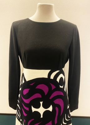 1970's Black graphic print dress/36