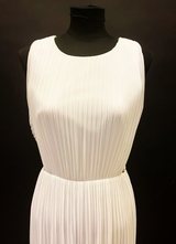 1990's White pleated gown/38