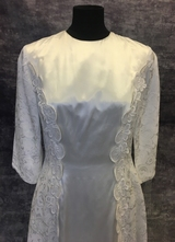 1960's White satin lace brocade gown/36-38