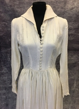 1940's Cream brocade gown with collar/36-38