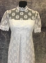 1960's White empire-waist lace gown with small sleeves/36-38