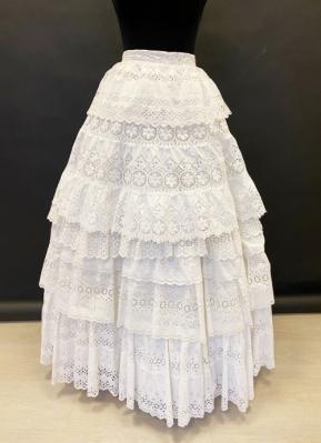 1950's White broderie anglaise skirt/36