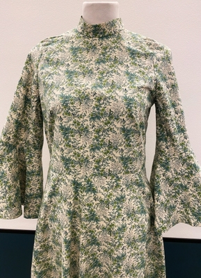 1970's Green floral cotton dress/34-36