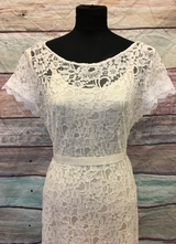 1930's-style Ivory lace gown with white lace trim/38