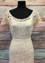 1930's-style Ivory mermaid lace gown with antique trims/40