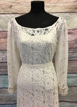 1930's-style Ivory lace gown with train and long sleeves/40